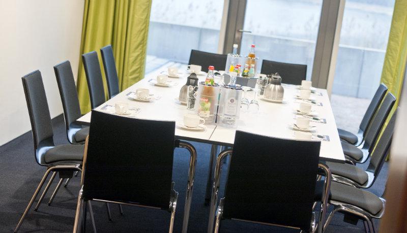 Röntgen Raum Mit Block Bestuhlung Riverside Hotel Nordhorn